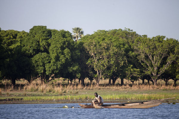 Lake Tengrela in Burkina Faso.  Photo: www.traveladventures.org